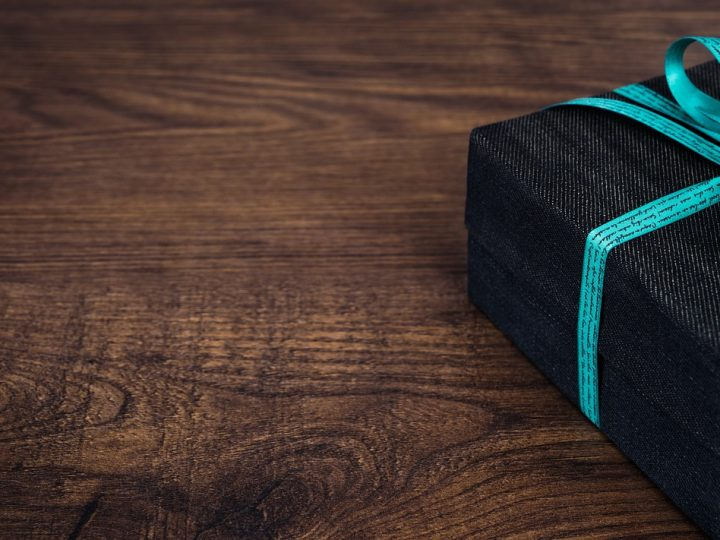 4 Tech Gift Ideas For People Who Love Personal Care and Beauty