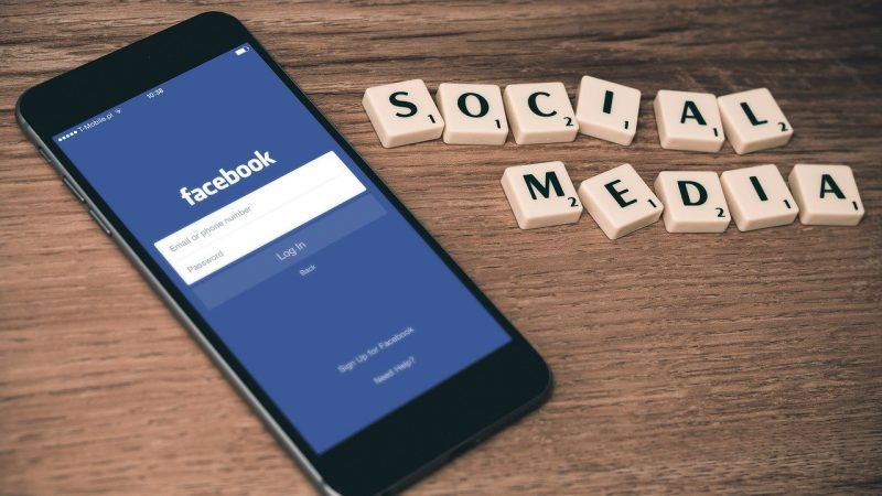 Why Professionalism on Social Media is Essential for Your Employees (and You)